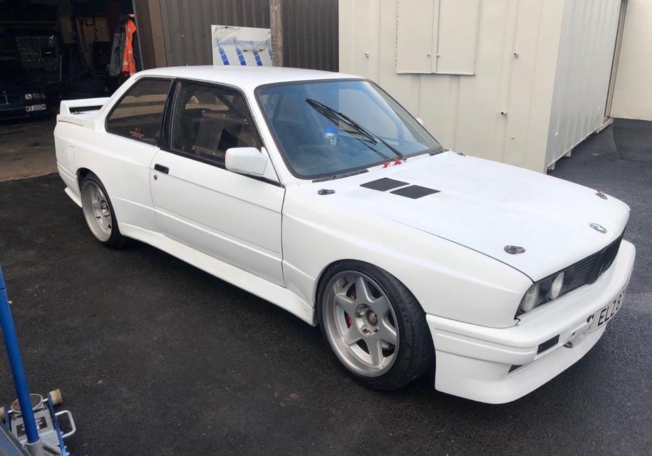 Автомобиль БМВ с мотором от Хонда выставили напродажу