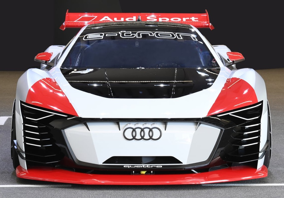 Ауди представила новый электроспорткар e-tron Vision Gran Turismo
