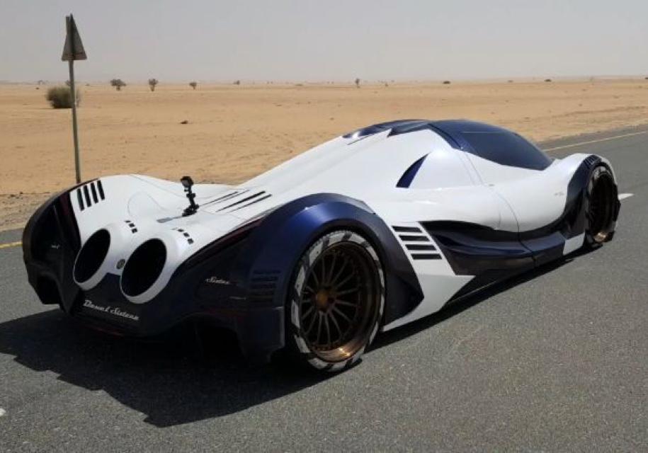 Devel представила вДубае 5000-сильный гиперкар ишестиколесный вездеход