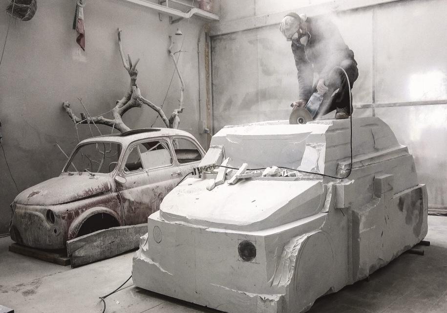 Итальянский скульптор сделает Fiat 500 из15-тонного блока мрамора