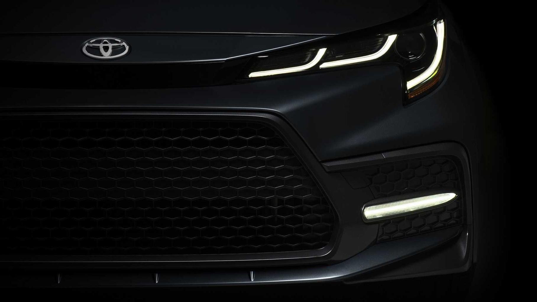 Toyota показала первое изображение нового седана Corolla