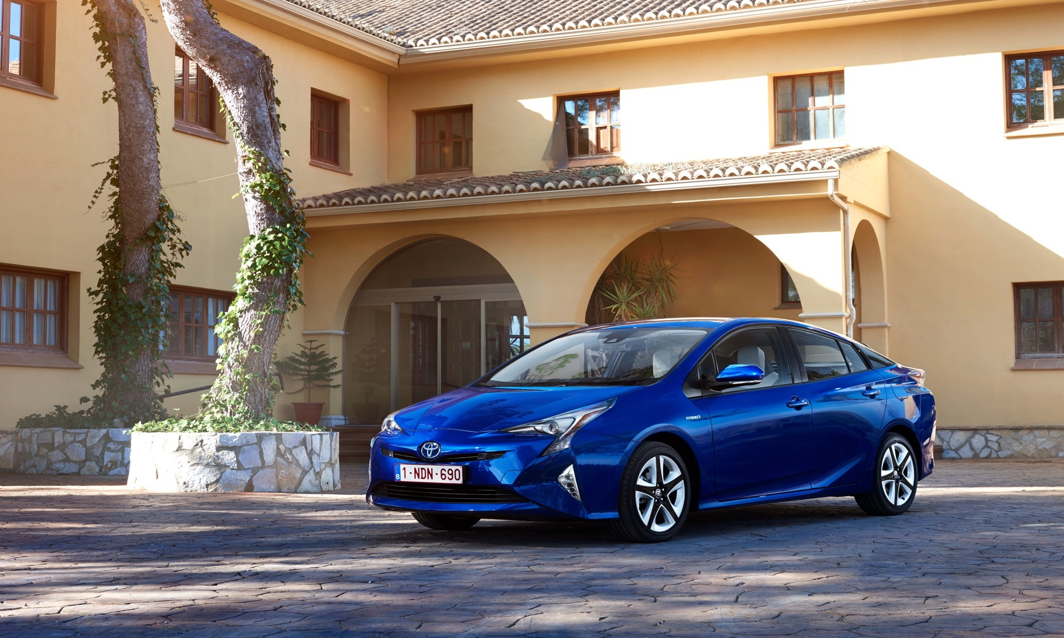 Toyota отзовет в России «Приусы» из-за угрозы возгорания