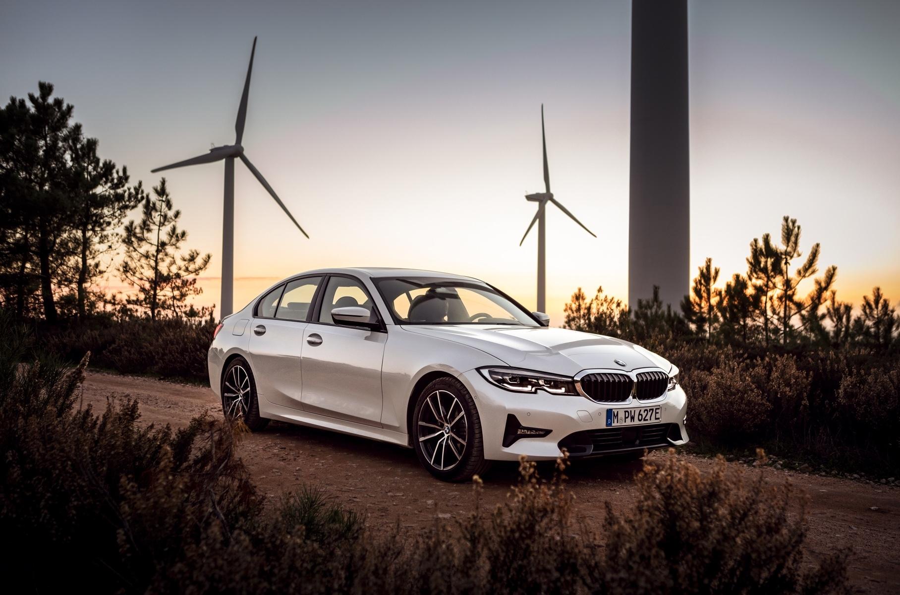 Новая BMW 3 серии стала гибридом с расходом 1,7 литра на 100 километров