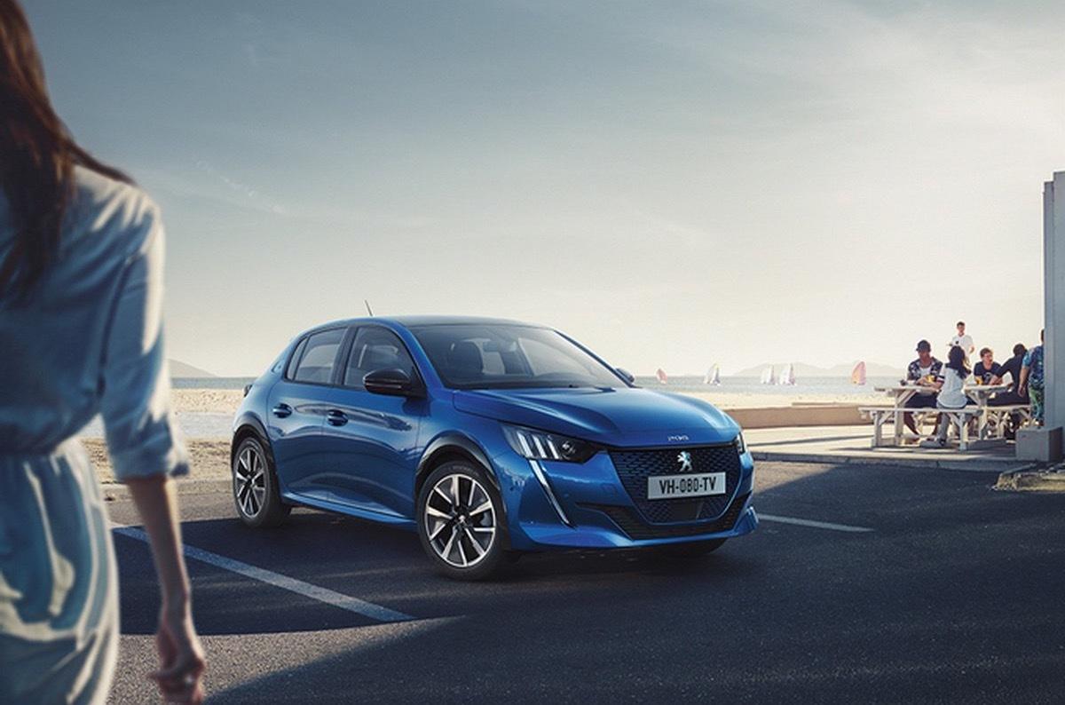 Внешность нового Peugeot 208 раскрыли до премьеры