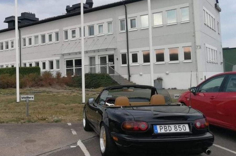 Глава Koenigsegg купил автомобиль, на котором ездил 20 лет назад