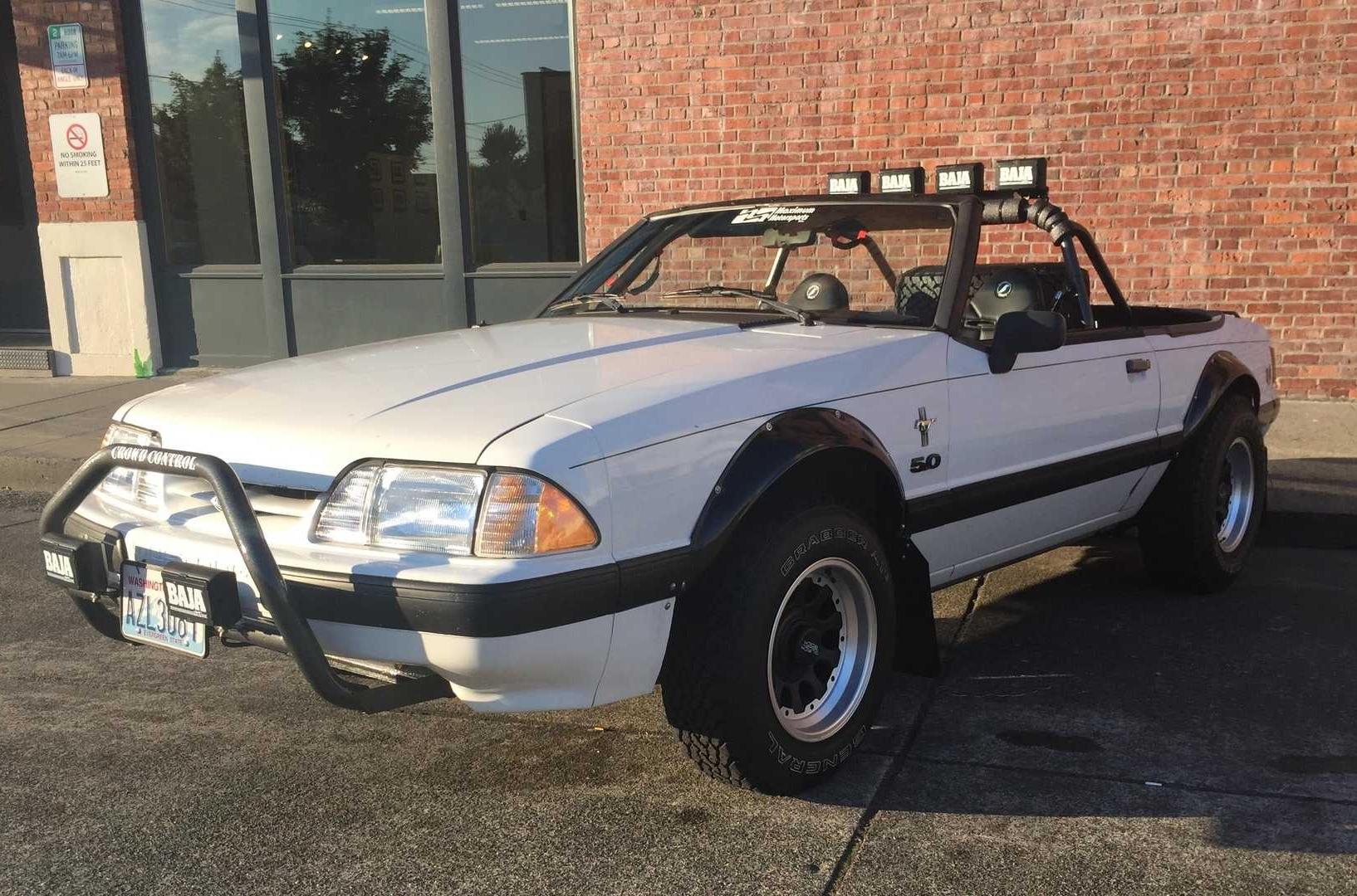 Старый Ford Mustang превратили в 300-сильный внедорожник