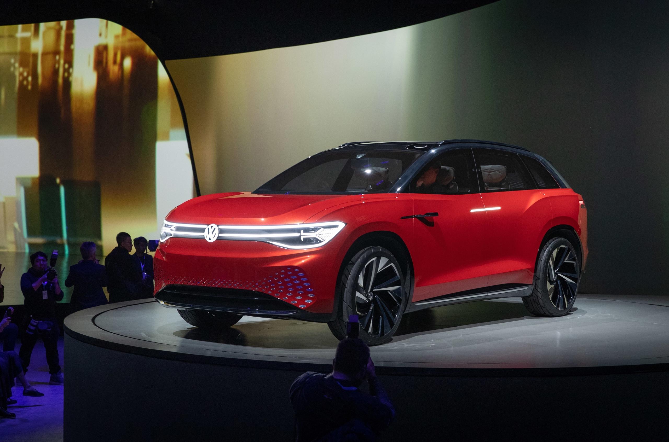 Volkswagen показал большой электрический кроссовер с «яблочным» салоном