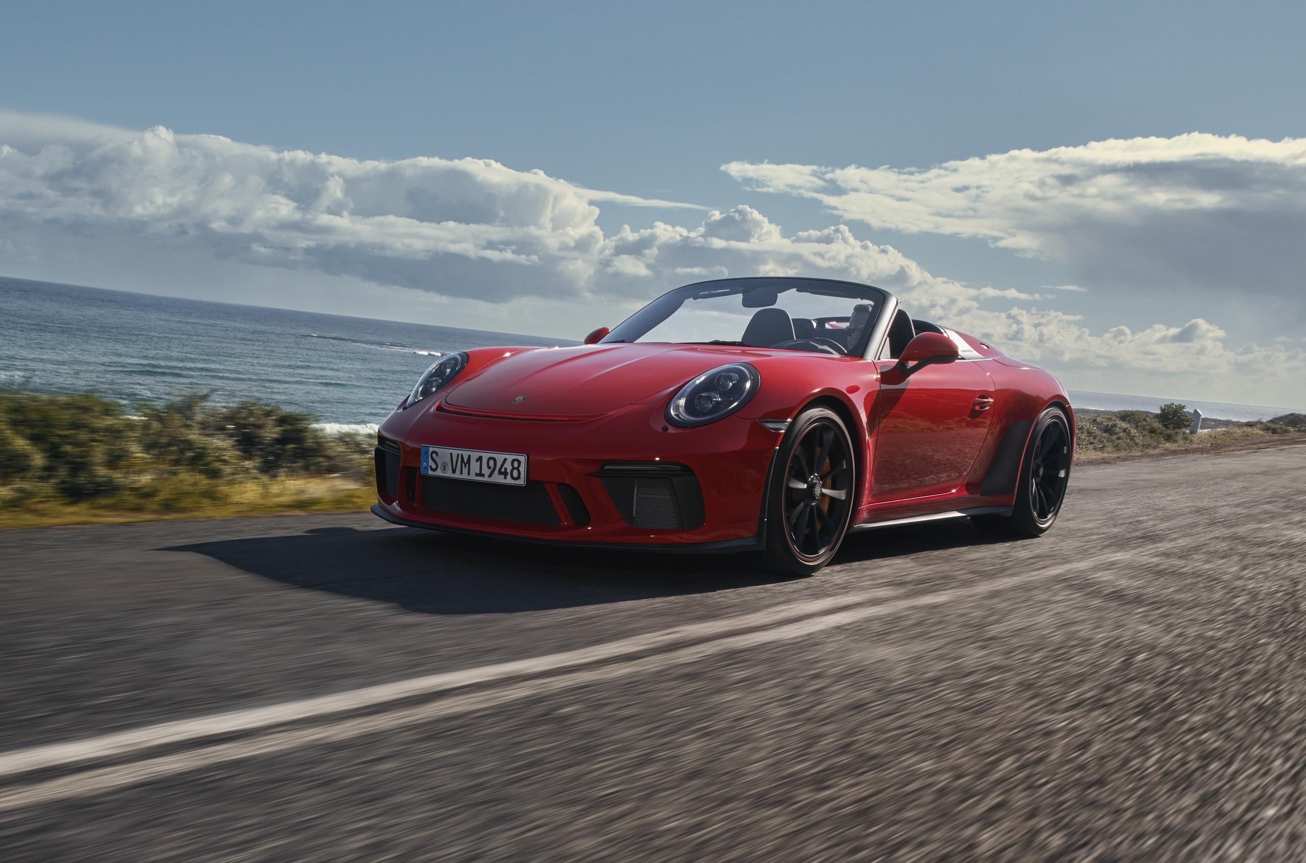Porsche 911 Speedster с дизайном в стиле машин 50-х стал серийным