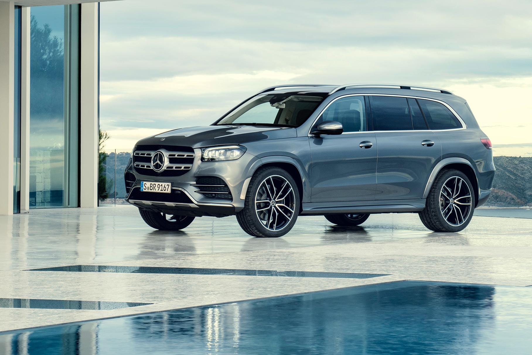 Новый Mercedes GLS во всех подробностях
