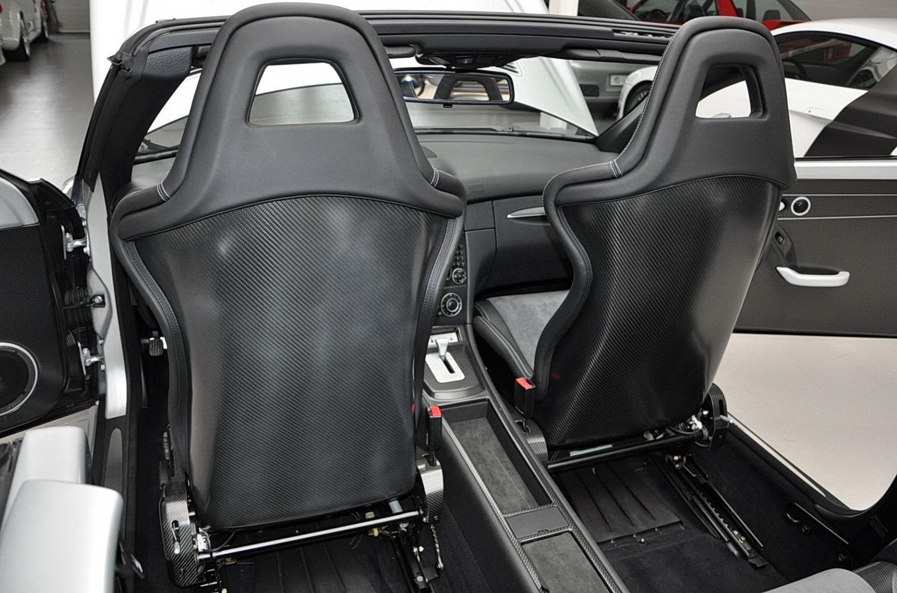 Кабриолет Mercedes-Benz CLK 2006 года продали по цене двух новых AMG GT