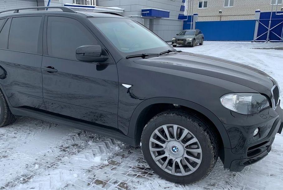 В России продают десятилетний бронированный BMW X5 почти без пробега