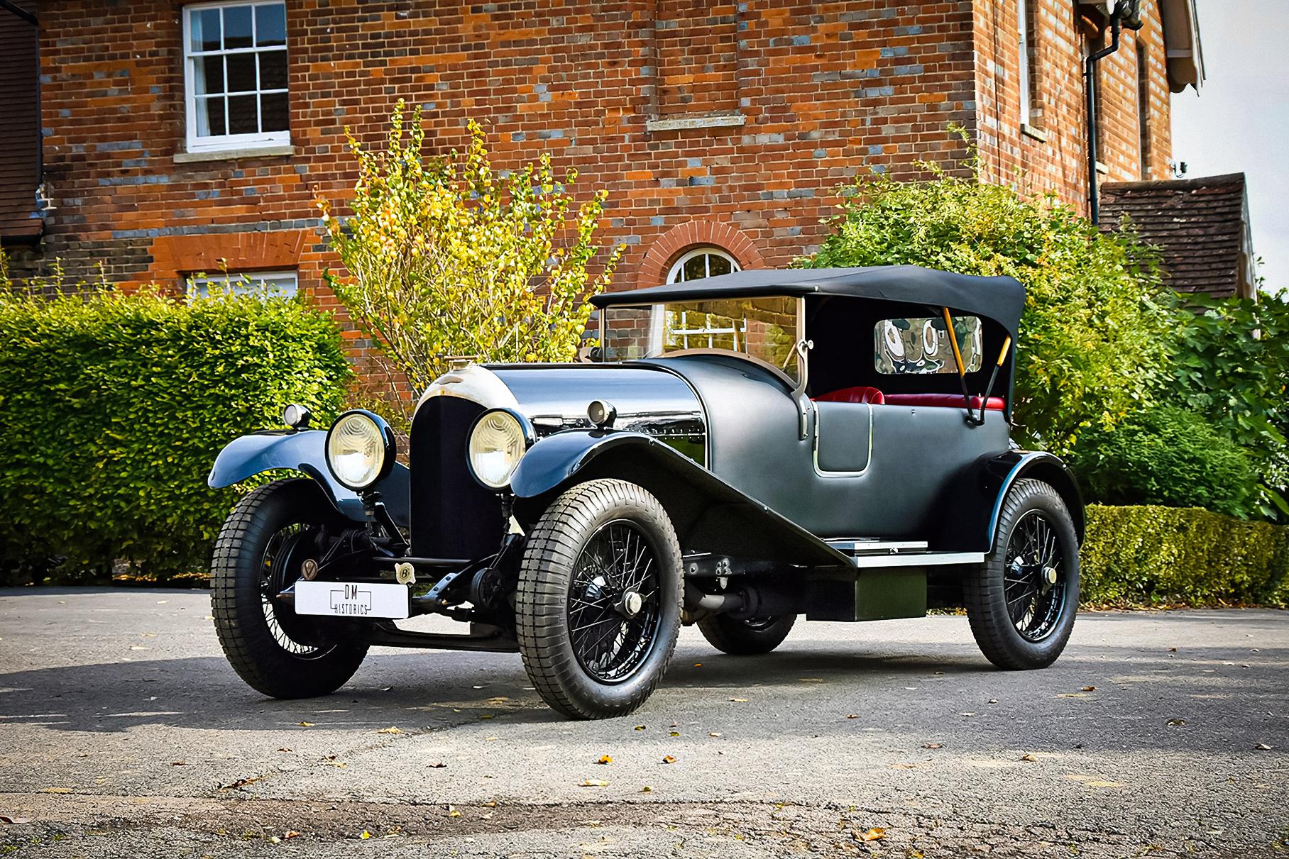 Редкий 100-летний кабриолет Bentley продают за 27,5 миллионов рублей