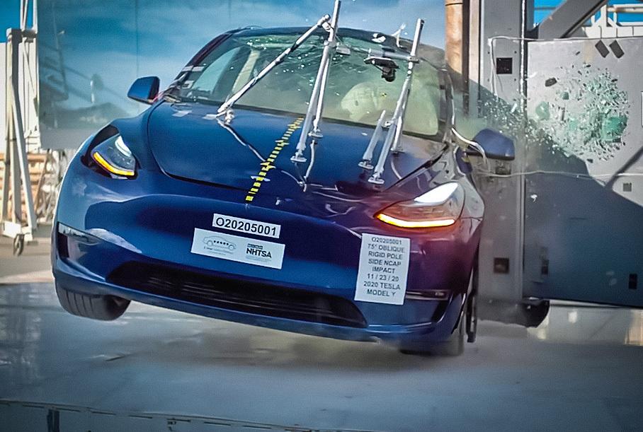 Tesla Model Y получила высший балл в рейтинге безопасности