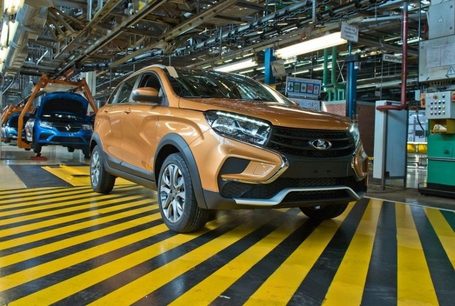 В России снизились продажи отечественных автомобилей