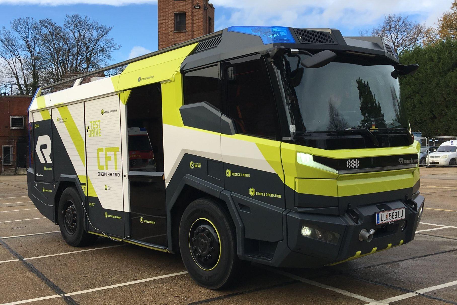 Посмотрите на первую в мире электрическую пожарную машину