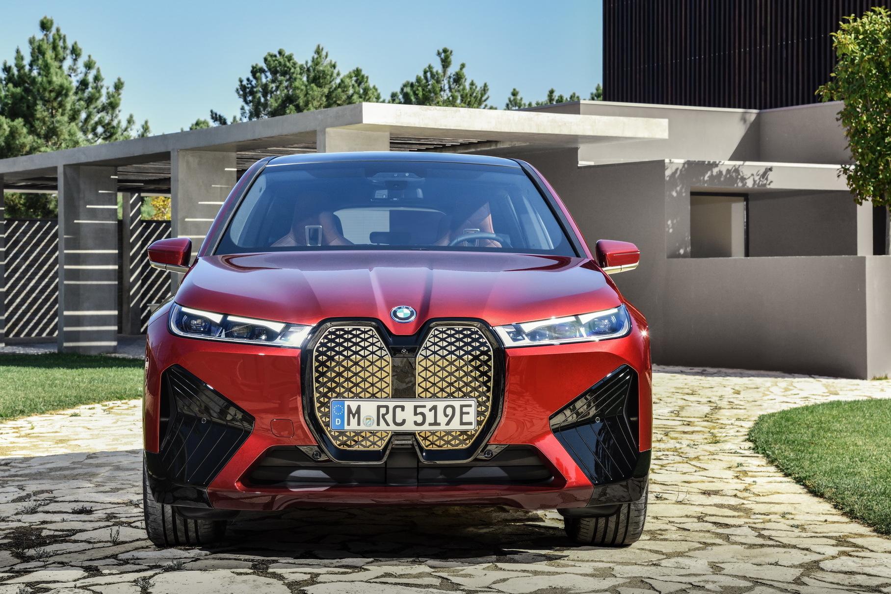 Самым мощным электрокаром BMW станет кроссовер iX M60