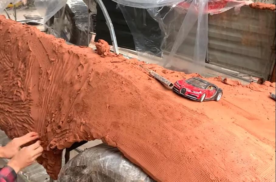 Посмотрите на реплику Bugatti Chiron из глины