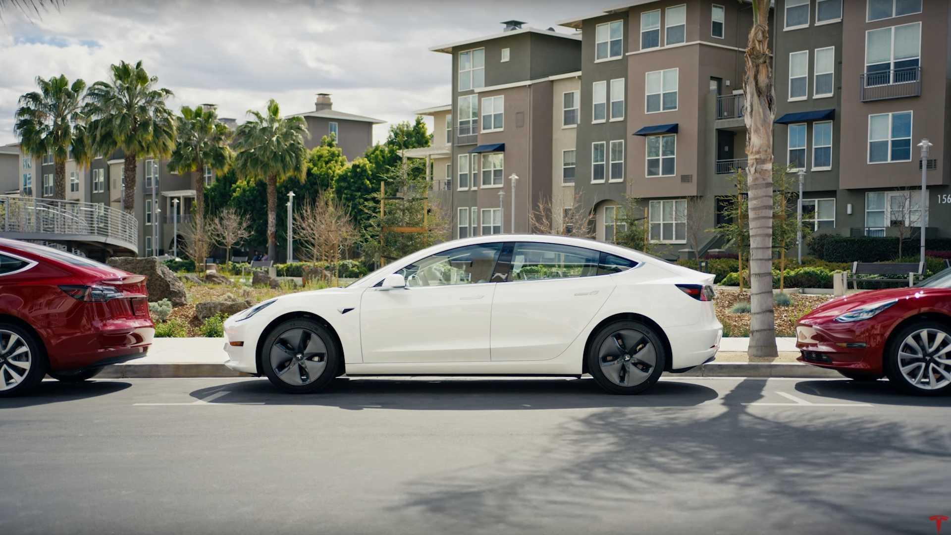 Каждый пятый владелец электрокаров возвращается обратно к автомобилям