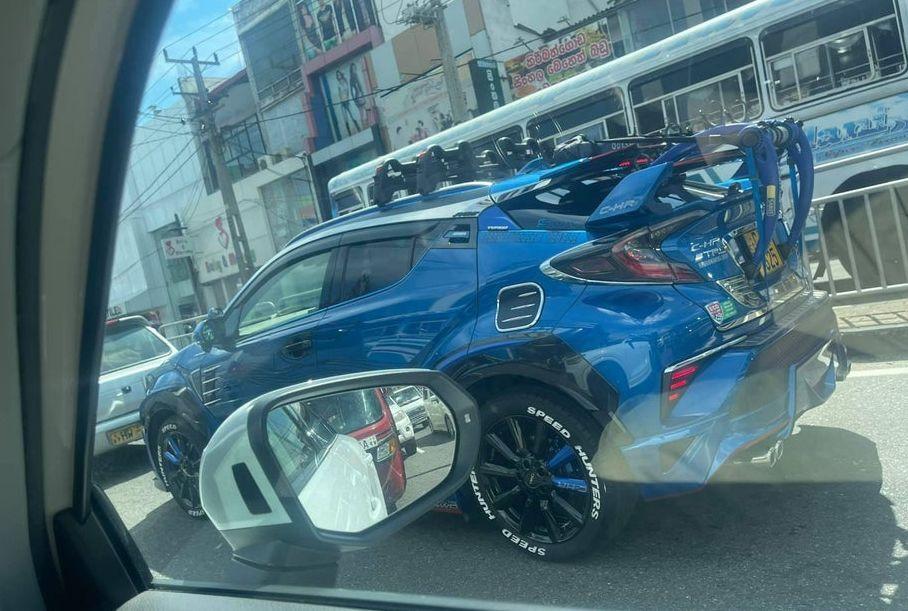 Посмотрите на очень странный тюнинг Toyota C-HR
