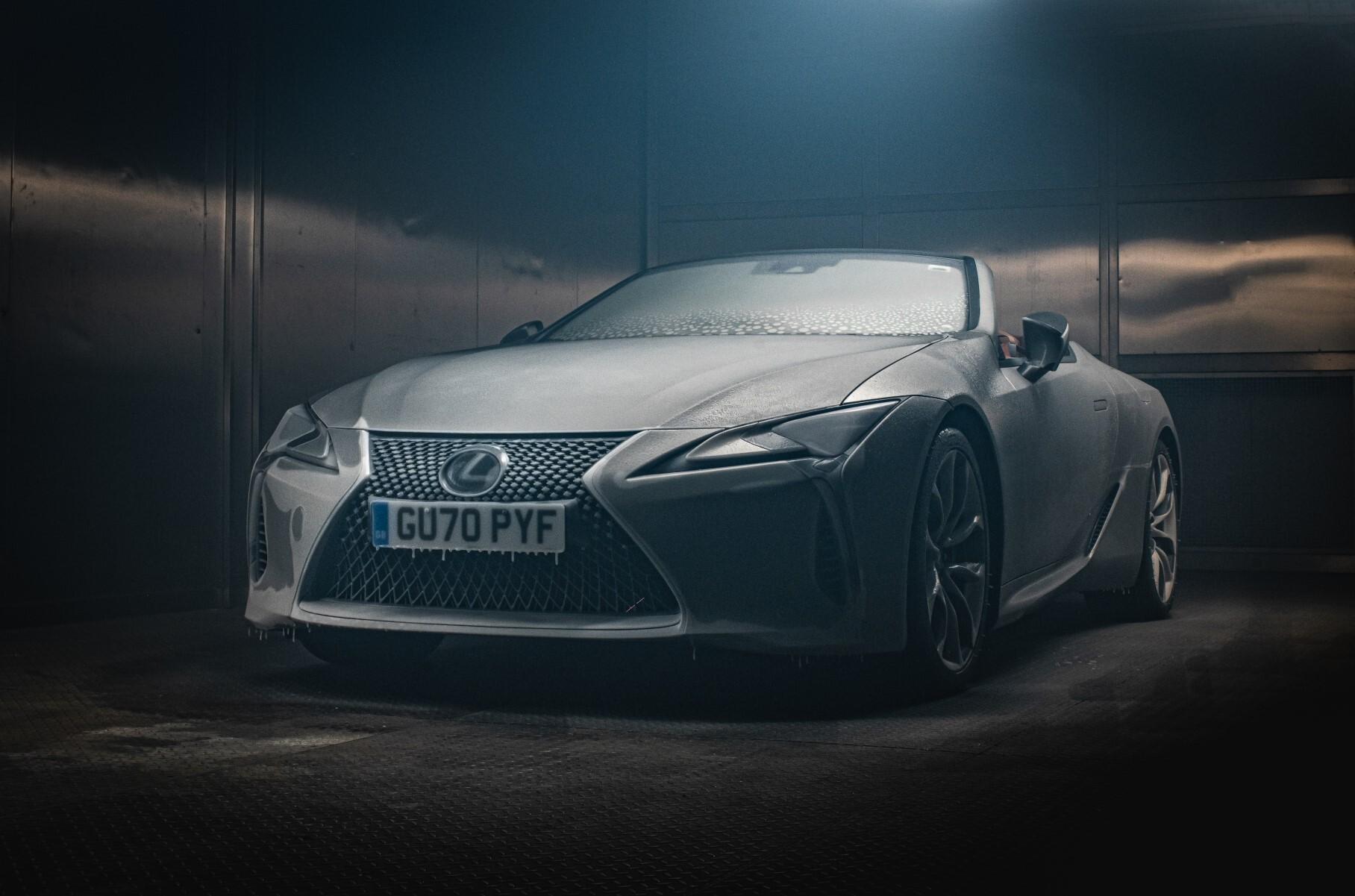 Видео: что будет, если поместить кабриолет Lexus в морозильную камеру на 12 часов
