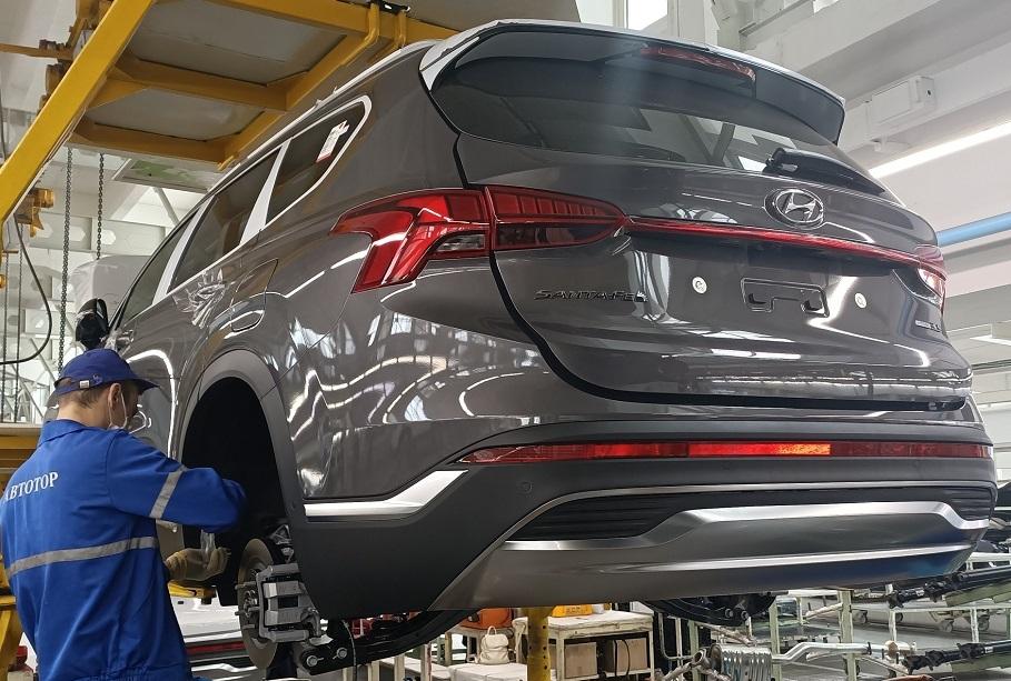 Российские автозаводы не остановят выпуск машин из-за нехватки деталей