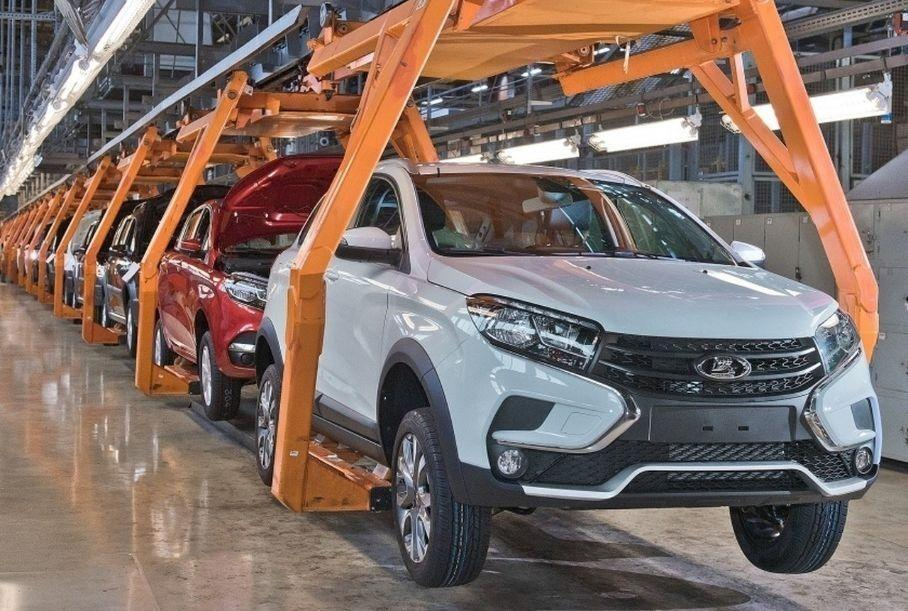 АвтоВАЗ приостановит производство из-за нехватки комплектующих