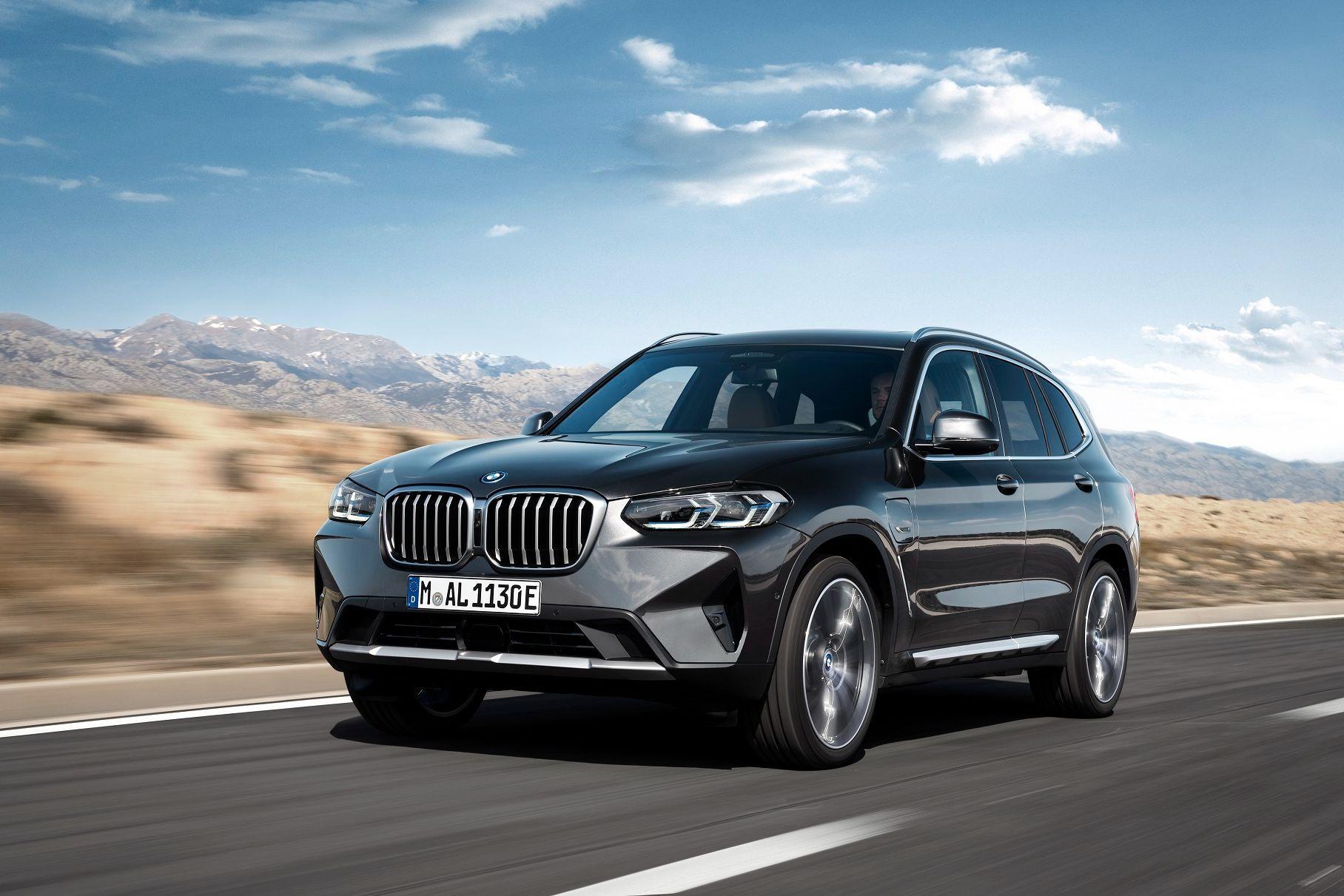 Объявлены цены на обновленные BMW X3 и X4 для России