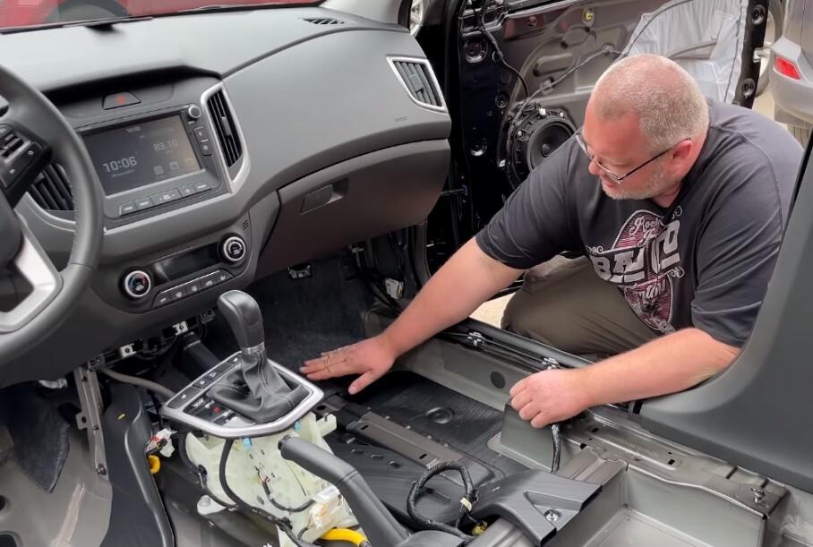 Видео: российский блогер разобрал Hyundai Creta и наглядно показал, почему она не стоит своих денег