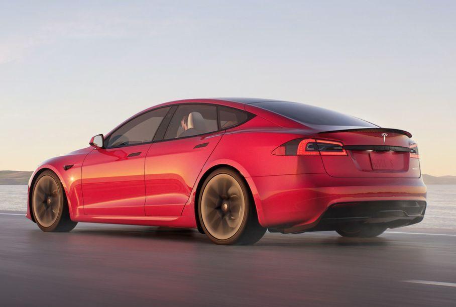 Видео: самая быстрая Tesla разгоняется до 60 миль в час за 1,99 секунды