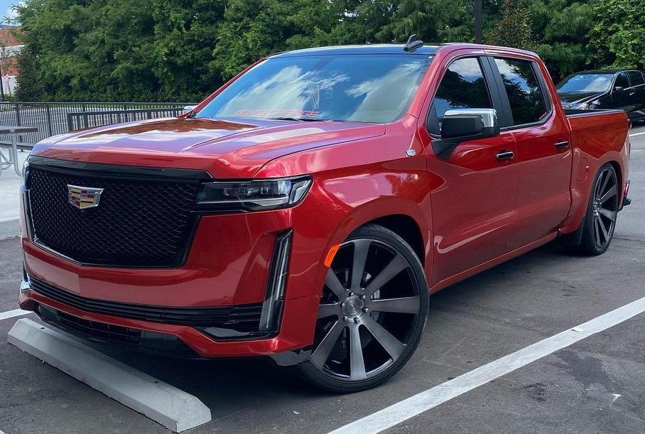 Посмотрите, как будет выглядеть новый Cadillac Escalade в кузове пикап