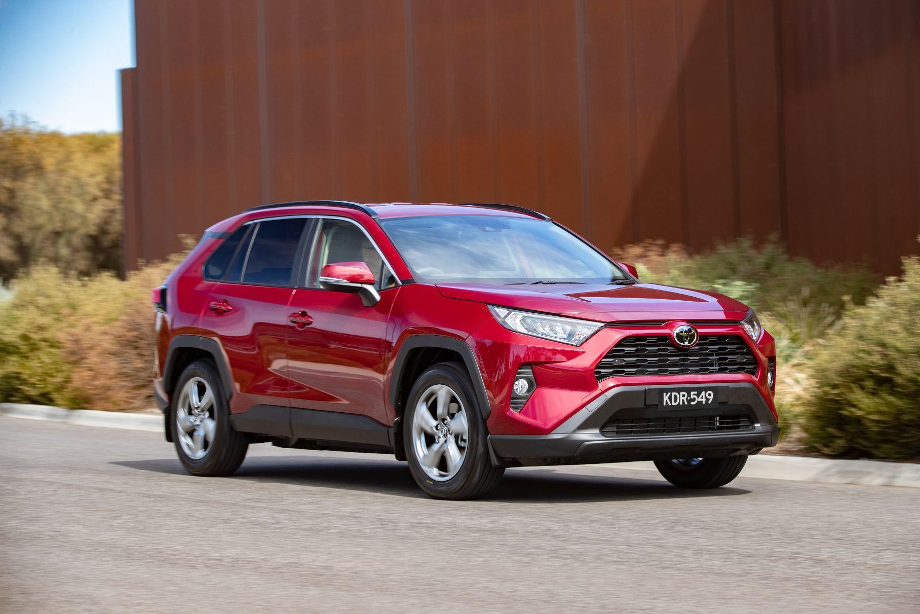 Toyota RAV4 готовится к обновлению, но не в России