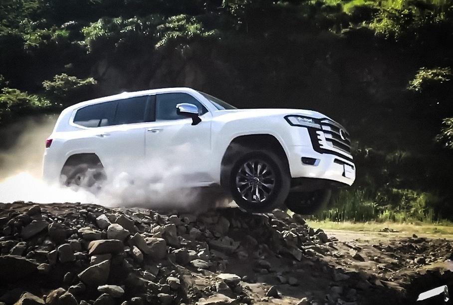 Видео: Toyota Land Cruiser 300 испытали на серьезном бездорожье