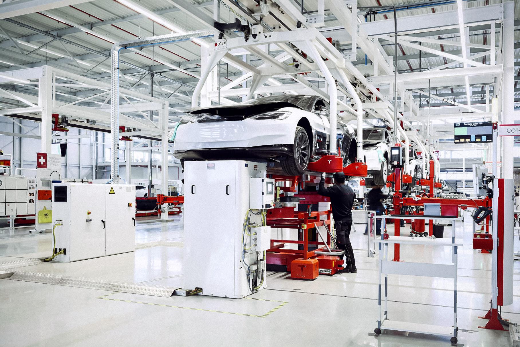 Илон Маск намекнул на появление нового завода Tesla. Но не в подмосковном Королеве