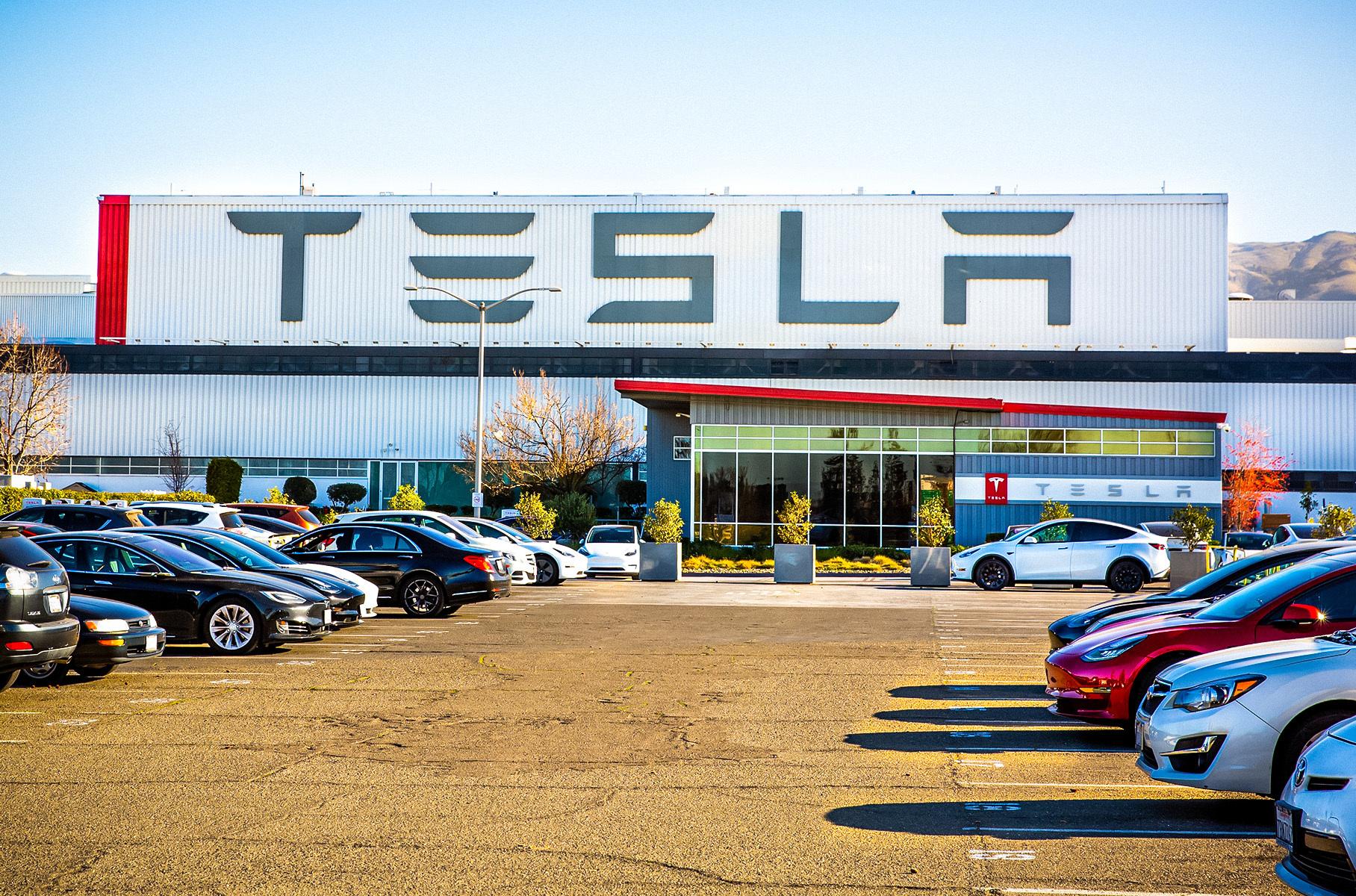 Штаб-квартира Tesla переедет из Калифорнии