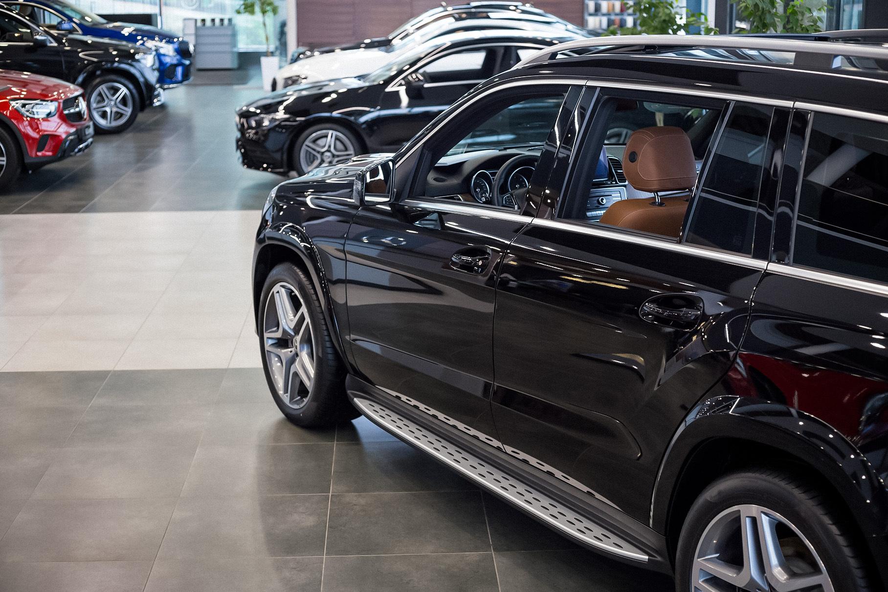 Эксперты прогнозируют падение продаж автомобилей в России в 2021 году