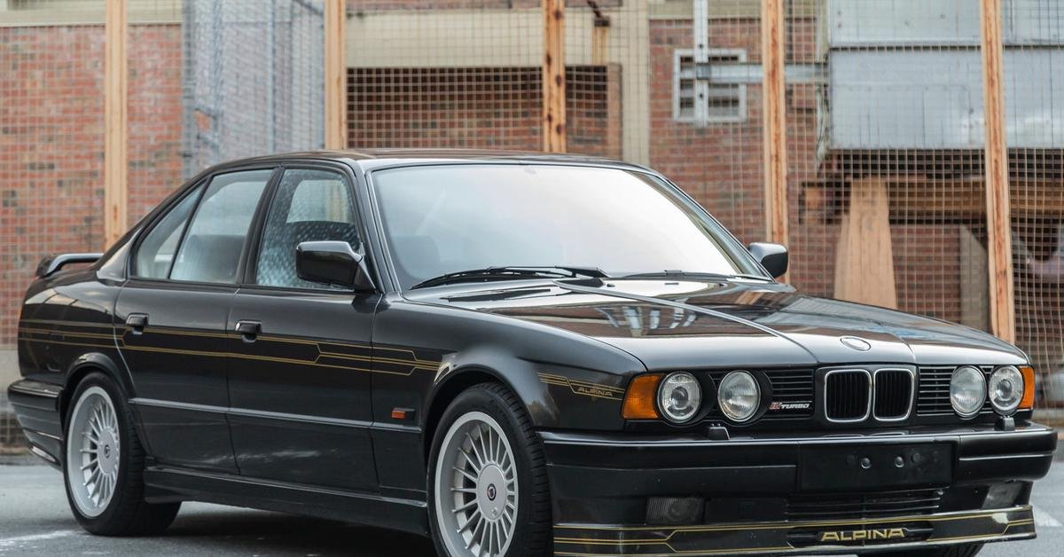 Тридцатилетний суперседан BMW Alpina B10 выставлен на аукцион