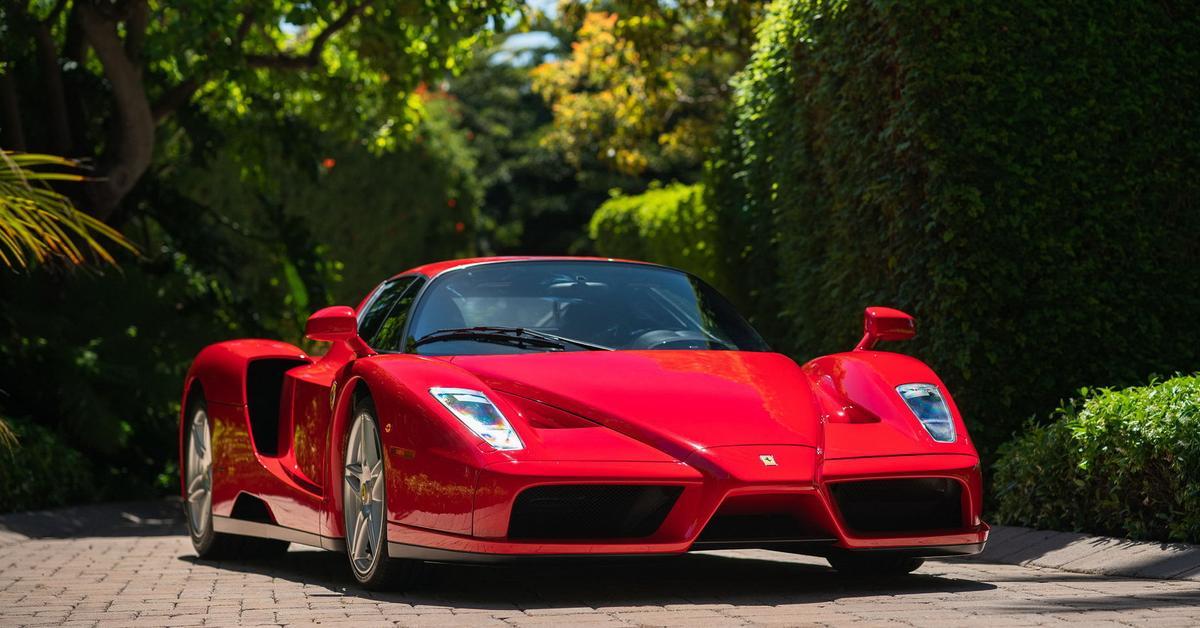 Идеальный Ferrari Enzo с пробегом 2000 километров продали на аукционе