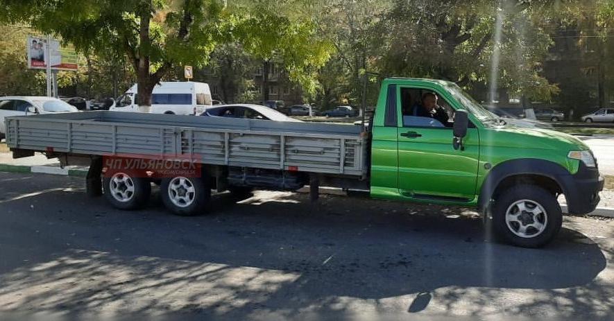 УАЗ выпустил шестиколесный 7-метровый грузовик