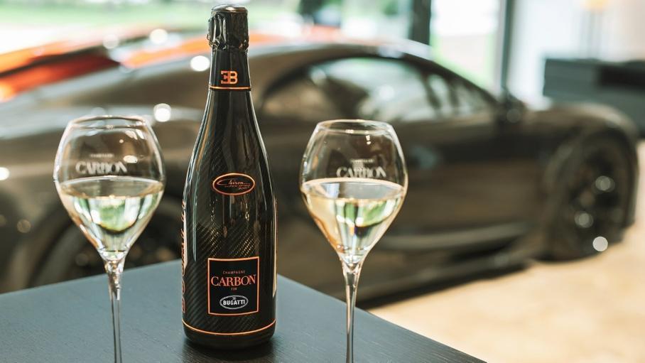Bugatti выпустила шампанское к прошлогоднему рекорду