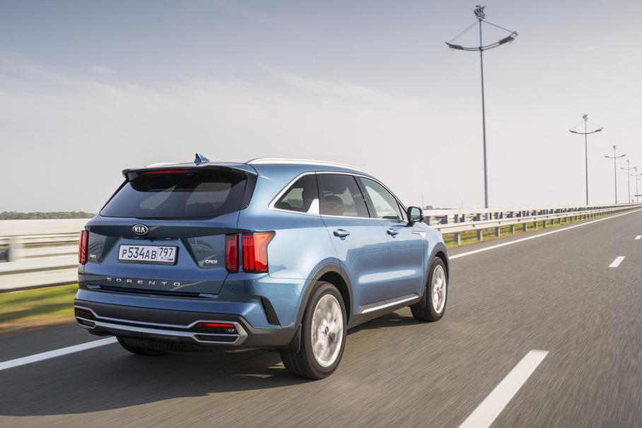 В России остановлены продажи новых Kia Sorento с дизелем и «роботом»