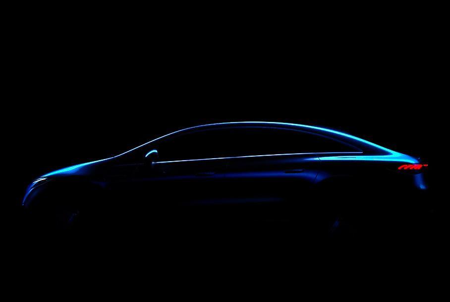 Mercedes-Benz показал новое изображение электрического седана EQS