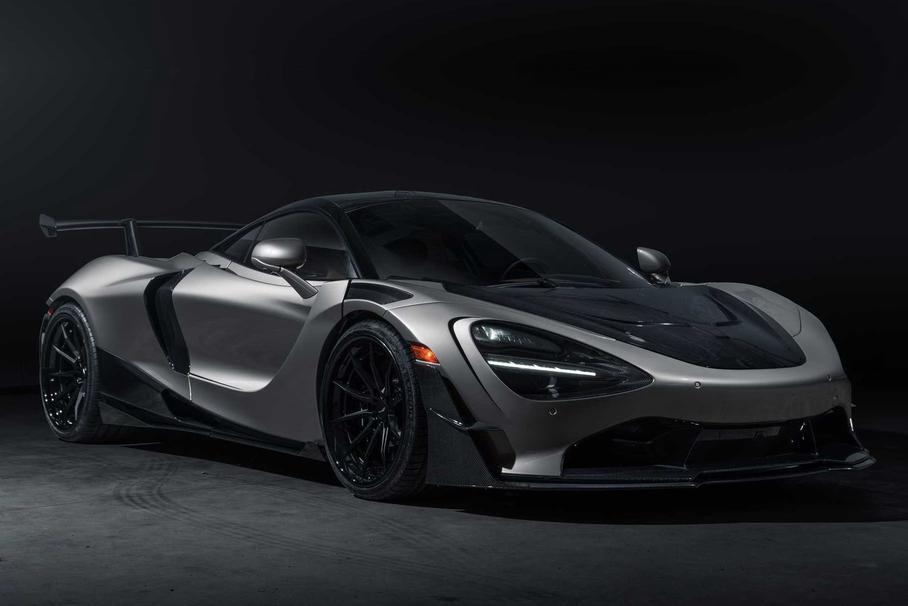 Американцы украсили McLaren 720S обвесом из карбона и титана