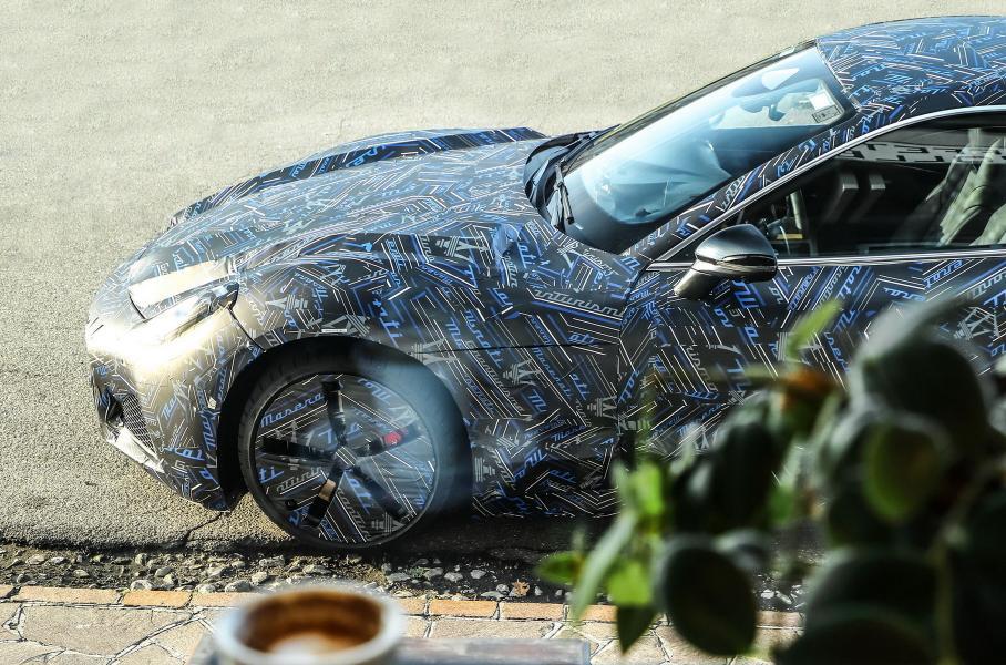 Maserati опубликовала первые фотографии нового купе GranTurismo
