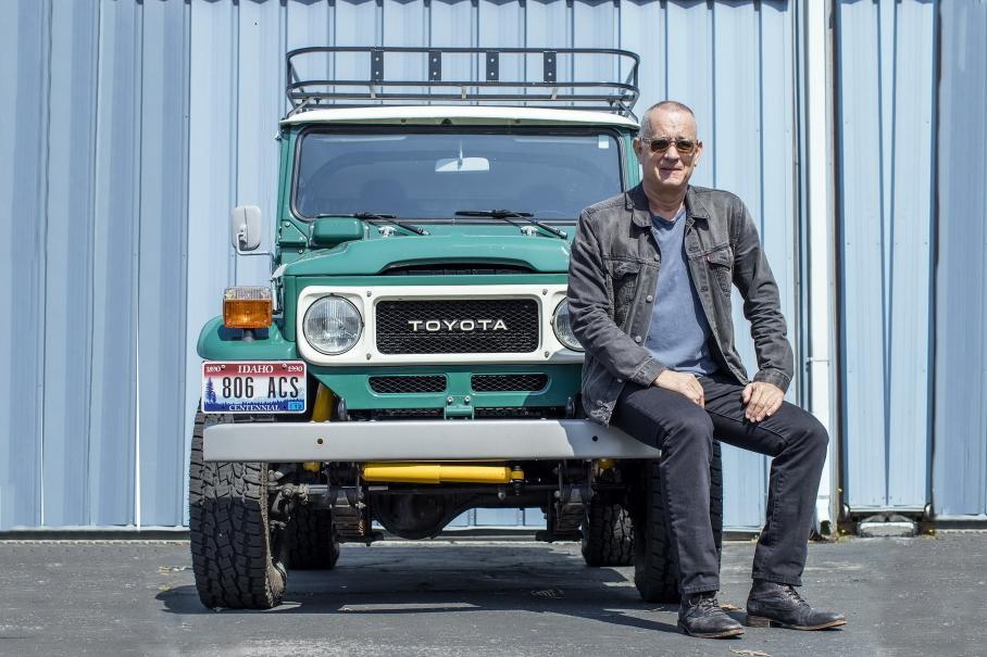 Том Хэнкс продаст на аукционе уникальный Toyota Land Cruiser