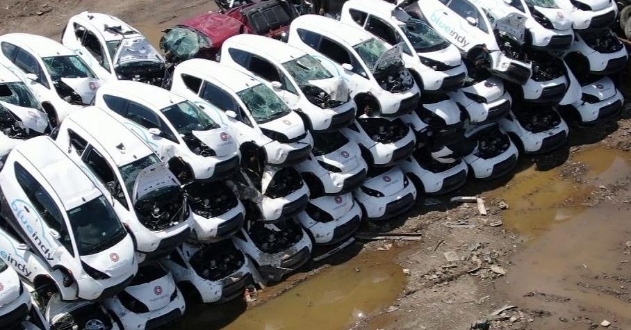 Десятки электромобилей выбросили на свалку в США